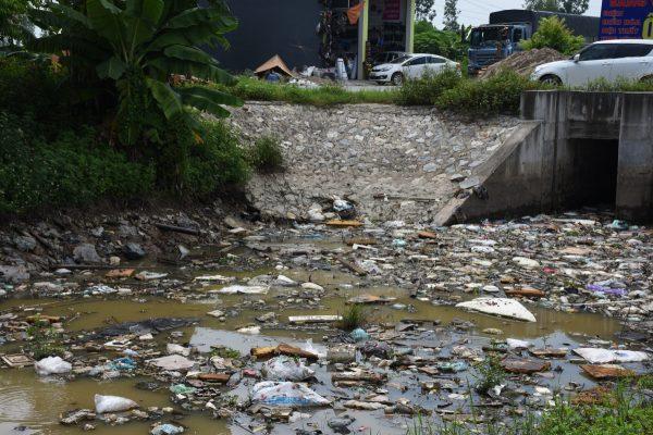 Ô nhiễm môi trường nước là gì? Tìm hiểu vấn đề ô nhiễm môi trường nước