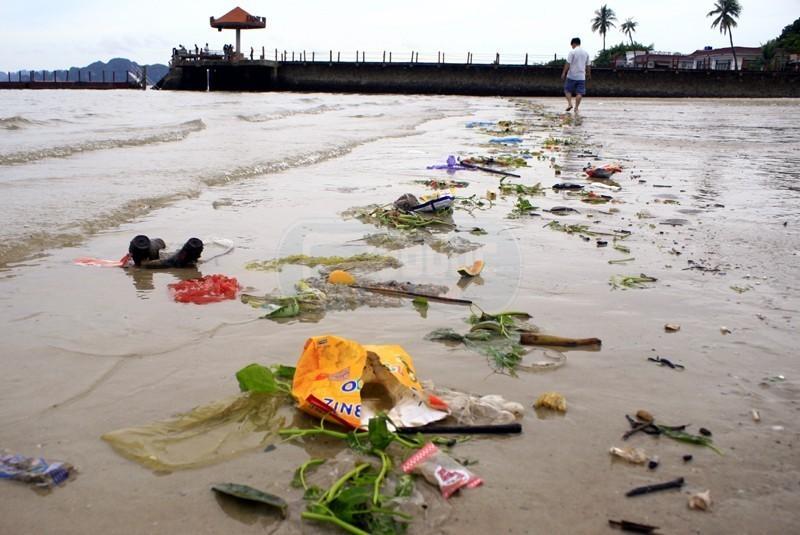 Ô nhiễm môi trường biển ở Nha Trang do hoạt động du lịch